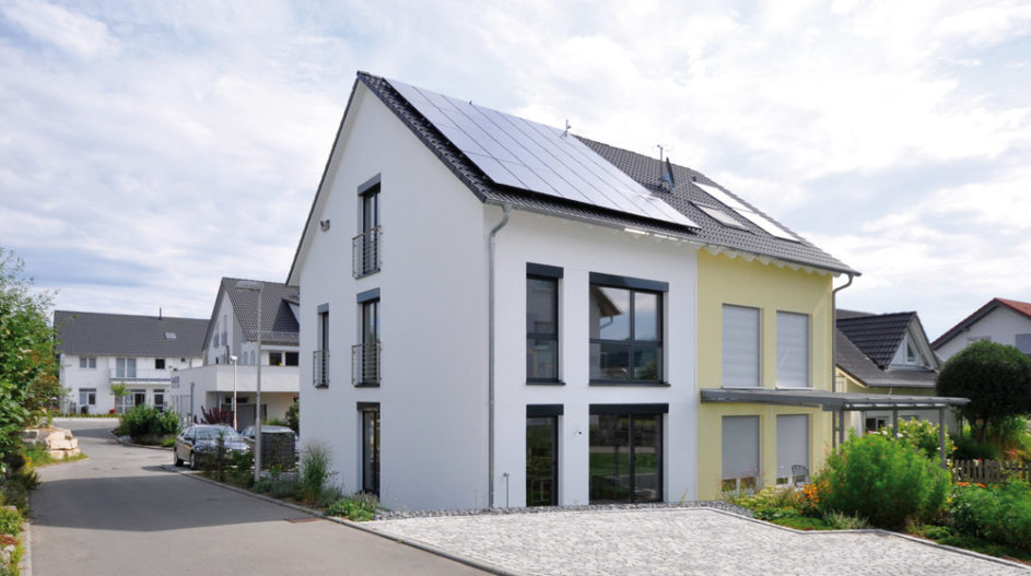Passivhaus-Doppelhaushälfte